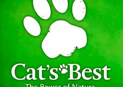 cats-best-the-power-of-nature-segura-gatinho-redes-telas-protecao